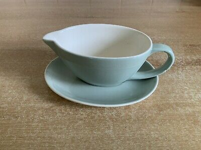 Poole Cameo Celadon Green - Gravy Boat And Stand • 8£