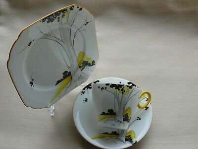 Shelley Trio : Yellow / Black, Tree In Countryside : Pattern 3057 : Oxford Shape • 40£