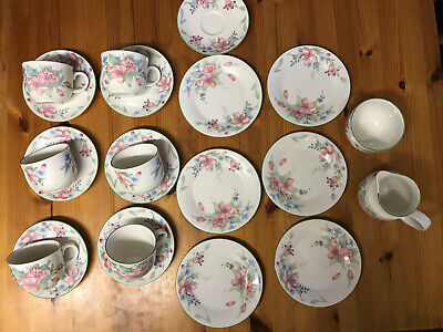 Royal Doulton Expressions Carmel Cups Saucers Side Plates Sugar Bowl & Milk Jug • 10.50£