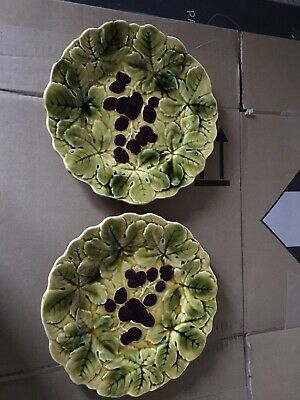 A Pair Of Vintage French Grape And Leaf Plates No Cracks   • 15£