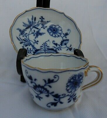 Small Meissen Blue Onion Pattern Cup & Saucer • 10.50£