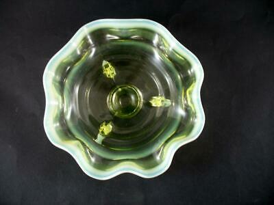 Vaseline Pearline Yellow Frilled Glass Footed Bowl • 14.99£