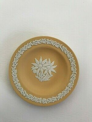 Wedgwood Cane Jasperware  Round Pin Dish In Excellent Condition . • 12.99£