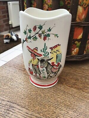 Crown Ducal Ware Mexican Scene Vase • 5£