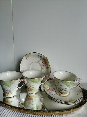 Vintage Gorgeous Fenton Cup And Saucers • 45£