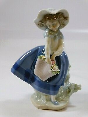 LLADRO 5222 PRETTY PICKINGS Girl With Flower Basket Porcelain Figurine - VGC • 12.50£
