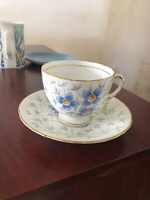 Lovely Vintage Bone China Cup And Saucer Royal Sutherland H&M • 2£