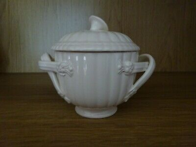 Leeds / Royal Creamware Lidded Sugar / Pot • 5£