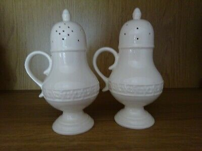 Leeds / Royal Creamware Salt And Pepper Shakers • 8.50£