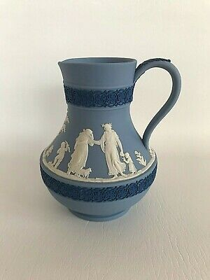 Wedgwood Tri-Coloured Jasperware Water Jug In Excellent Condition . • 29.99£