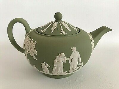 Wedgwood Green Jasperware  Teapot  In Excellent Condition . • 79.99£