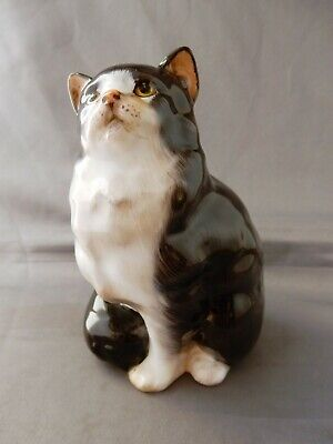 Lovely ROYAL DOULTON Seated Persian Cat Figure HN 999  • 12.99£