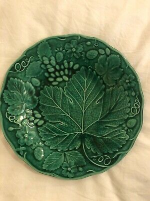 Antique Majolica Green Plate With Grapes And Strawberries • 7.50£