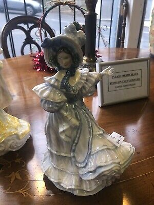 Royal Doulton Lady Forget Me Not • 25£