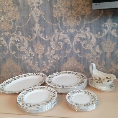 Wedgwood Bone China 'Beaconsfield' 6 Persons Dinner Set 21 Pieces • 60£