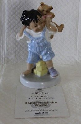 Royal Worcester 4776 Piggyback Ride Figure LE With Certificate • 35£