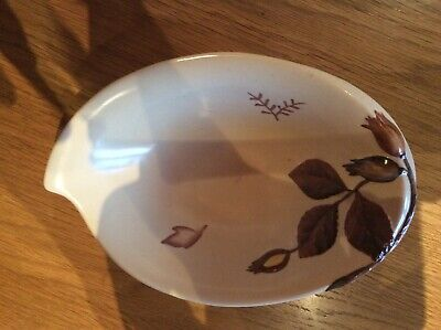 Carlton Wear Dish Brown/ White Leaf Design • 2£