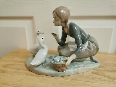 Lladro - 'Food For Ducks' #4849 Girl With 2 Geese - Immaculate Condition • 17£