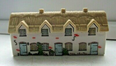 WADE WHIMSIES WHIMSEY ON WHY HOUSE BRIAR ROW No 23 EXCELLENT SEE PICTURES • 0.99£