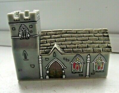 WADE WHIMSIES WHIMSEY ON WHY HOUSE ST SABASTIANS CHURCH No 7 EXCELLENT SEE PICS • 0.99£
