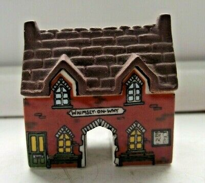 WADE WHIMSIES WHIMSEY ON WHY HOUSE THE TRAIN STATION No 18 EXCELLENT SEE PICS • 0.99£