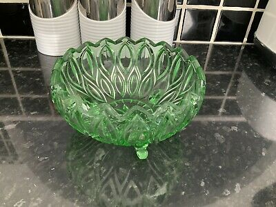 Vivid Green Pressed Glass Large Fruit Bowl In Great Condition • 6.99£