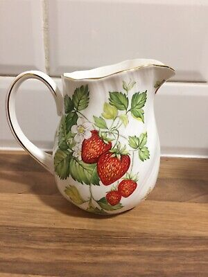Queens China Virginia Strawberry Large Milk Jug • 12.99£