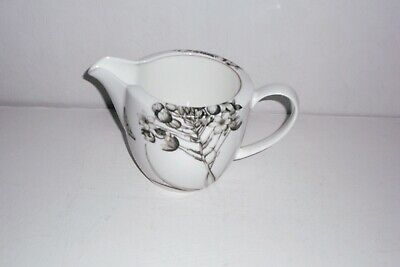Queens Sanderson ETCHINGS & ROSES Jug. • 6£