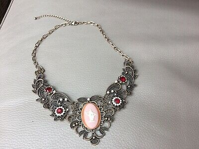 Wedgwood Pink Jasperware Cameo Necklace • 30£