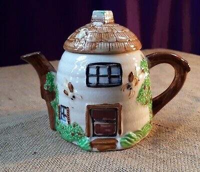 1940s English Cottage Relief Teapot, With Bees. Occupied Japan Maratumo Ware • 10£