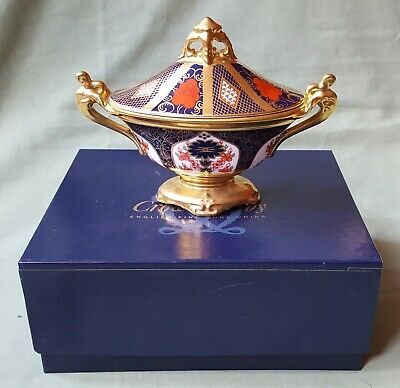 Boxed Royal Crown Derby 'Old Imari' Lidded Urn.  Perfect Condition • 175£