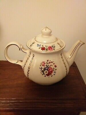 Vintage China Sadler Teapot In Cream With Floral And Gilt Design • 9.99£