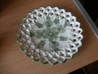 Small Pretty China/pottery Wall Hanging Plate With Pierced & Scalloped Edge E • 2.99£