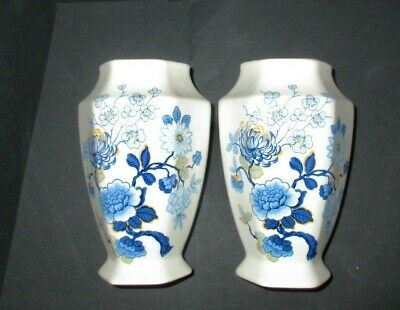 PAIR Of VASES Vintage MELBA WARE ENGLAND Oriental Style Pattern With Blues NICE! • 3£
