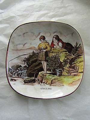 Vintage Gray's Pottery Small Shallow Dish With ANGLING Image • 4.99£