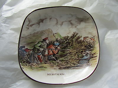Vintage Gray's Pottery Small Shallow Dish With DEERSTALKING Image • 4.99£