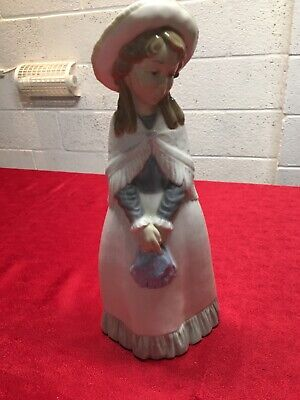 NAO Figurine: A Large NAO By Lladro Figurine Of A Girl With Hat DAISA 1982 Lot/5 • 26£