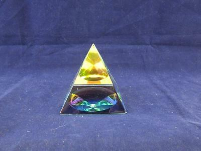 Crystal Esoteric Glass Mystic Pyramid Ornament Paperweight. • 9.99£