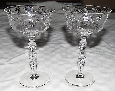 Pair Of 6.1/2  Glass Champagne Wine Glasses - Bows And Pinecones - Any Occasion • 3.63£