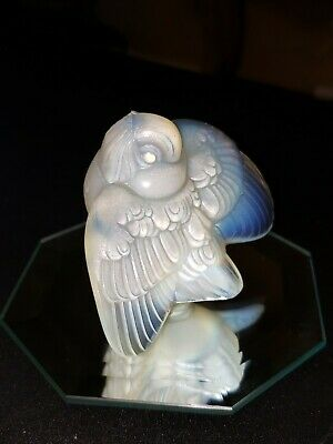 Vintage Art Deco Sabino Opalescent Glass Teasing Bird Wings Down.  • 133.32£