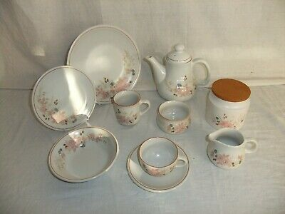 C4 Pottery Boots - Hedge Rose - Microwave/dishwasher/oven Safe 4F5A • 14.99£
