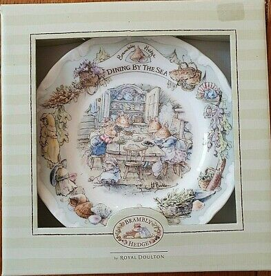 Royal Doulton Bramley Hedge  Dining By The Sea  Plate • 16£