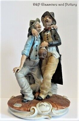 Capodimonte Figurine Featuring Two Drunken Men Sitting On Wall Figure Very Colle • 30£