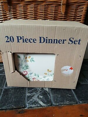 Churchill Briar Rose 20pce Dinner Set New In Box Discontinued • 30£
