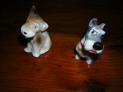 Pair Of Wade Dogs • 5£
