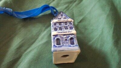 Small Blue/white  Delft House On Ring • 2.99£