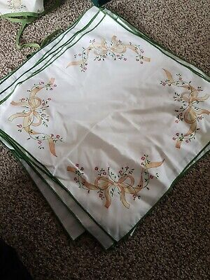 Eternal Beau Table Cloth, Apron And 9x Material Napkins  • 7.50£