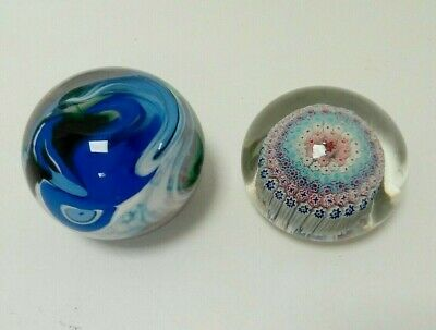 2x Decorative Glass Paper Weights  • 31£