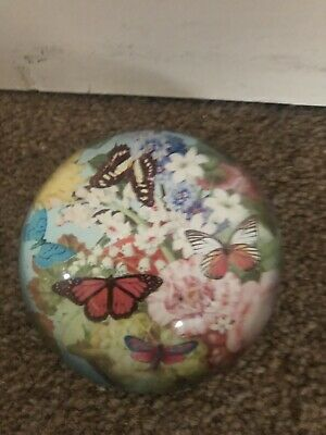 Vintage Glass Butterfly Ornament / Paperweight • 3.97£
