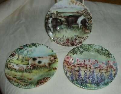 Fenton - 3 Pig Design Dishes By Ann Blockley In Vgc • 5.50£